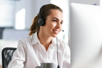 How to Handle a Talkative Customer on the Phone