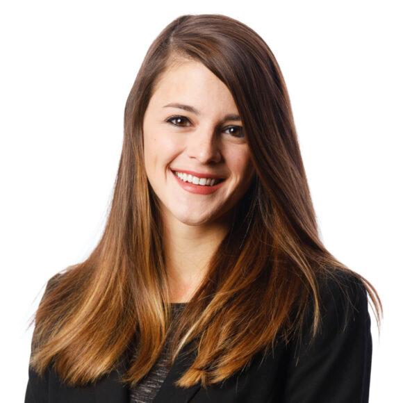 Headshot Margi Deinlein